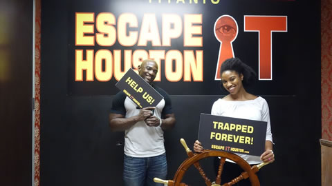 Couple played Escape the Titanic on Aug, 18, 2017