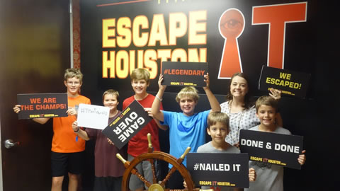 Team Team 63 1/2 played Escape the Titanic on Oct, 1, 2017